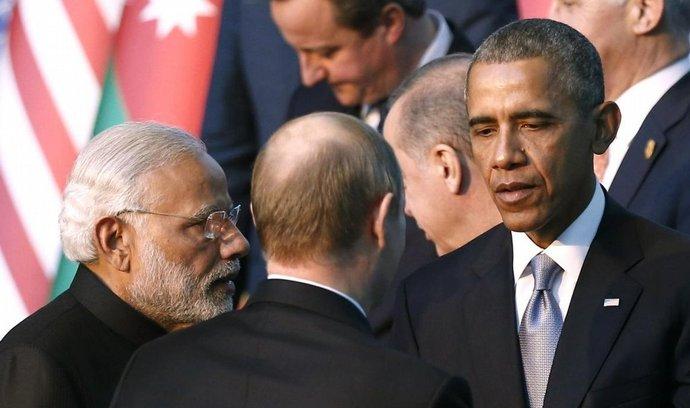 Americký prezident Barack Obama Obama a jeho ruský protějšek Vladimir Putin na okraj summitu G20 v Turecku jednali o úsilí vyřešit konflikt v Sýrii