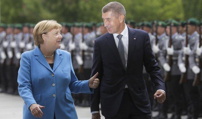 Andreje Babiše přijala kancléřka Merkelová v Berlíně s vojenskými poctami (5.9.2018)