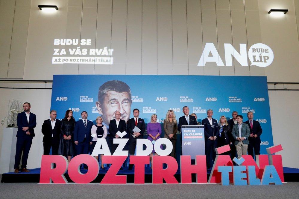 Lídr hnutí ANO Andrej Babiš na tiskové konferenci po skončení voleb do Poslanecké sněmovny. (9. října 2021)