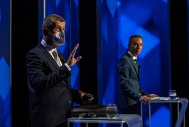Zrádci, kmotři, muslimové aneb Základní instinkty v premiérské debatě