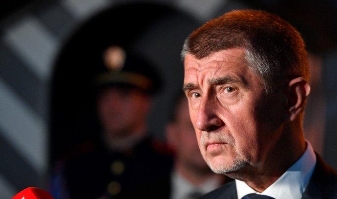 Premiér v demisi Andrej Babiš po jednání s prezidentem Milošem Zemanem v Lánech