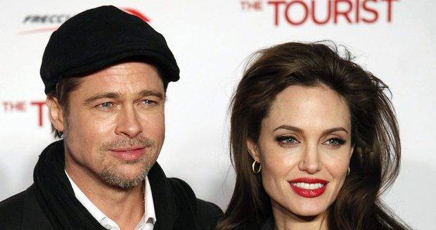 Jeden z nejznámějších párů světa je spolu už pět let. O svatbě mezi Bradem a Angelinou se spekulovalo už několikrát.