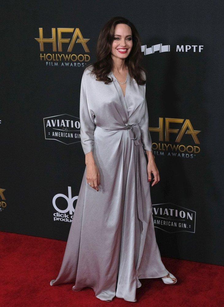 Angelina Jolie na slavnostním předávání cen Hollywood Film Awards, rok 2017