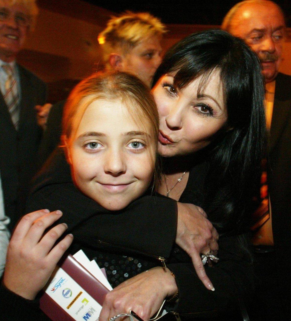 Anička s maminkou v roce 2005