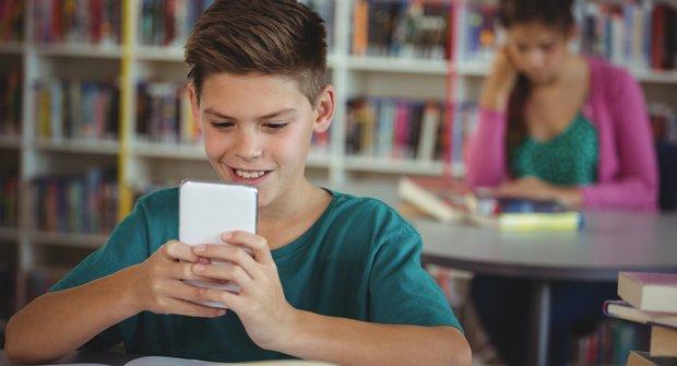 Aplikace na taháky: Chytrá pomoc se školou