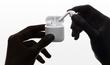 Apple AirPody 2. generace se od té první designově nijak neliš