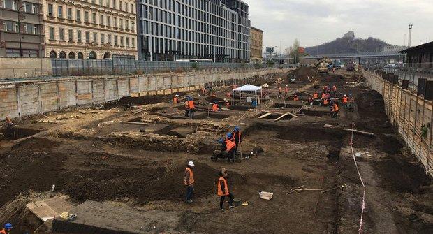 Nadšení archeologové: Nálezy od Masarykova nádraží v Praze