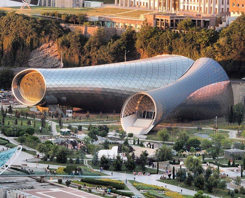 Rhike Park Music Theather and Exhihition Hall v Tbilisi navrh italský ateliér Fuksas.