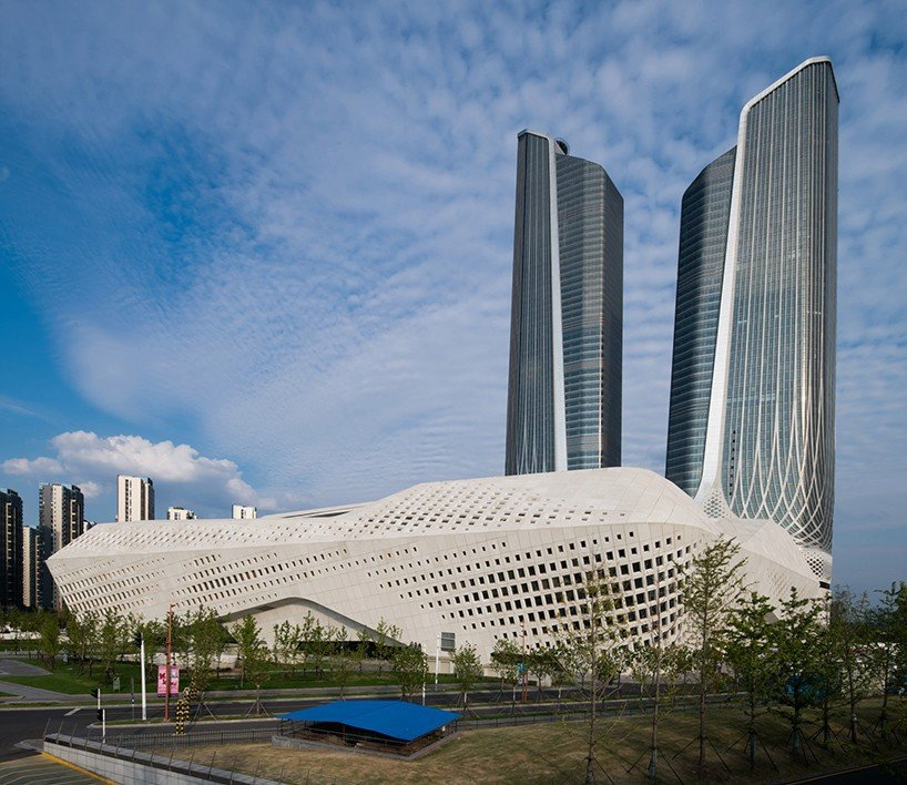 Mezinárodní kulturní centrum pro mladé v čínském Nanjig  je dílem tvůrců z ateliéru Zaha Hadid Architects.