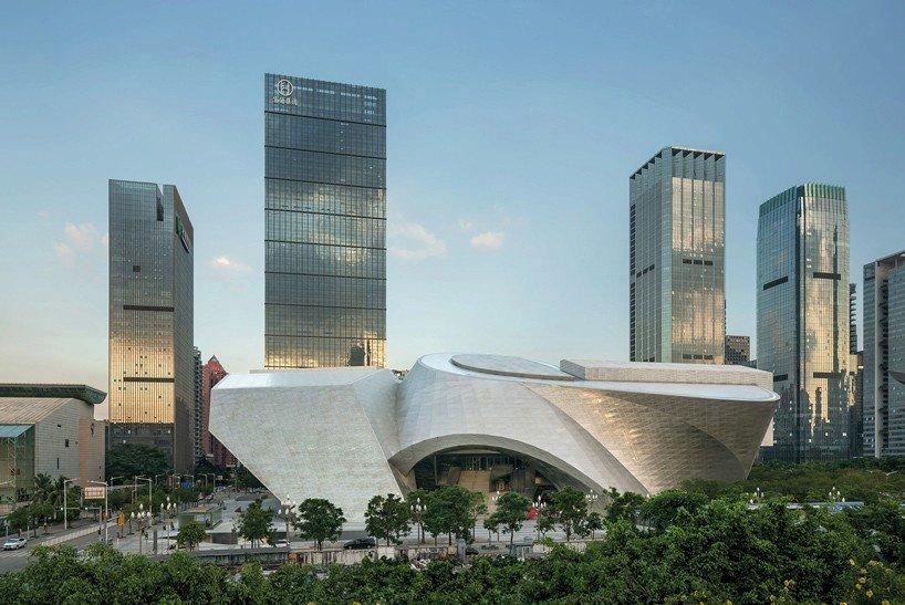 Muzeum současného umění a plánování MOCAPE v čínském městě Šen- Čen narhli tvůrci ze studia Coop Himmelb(l)au.