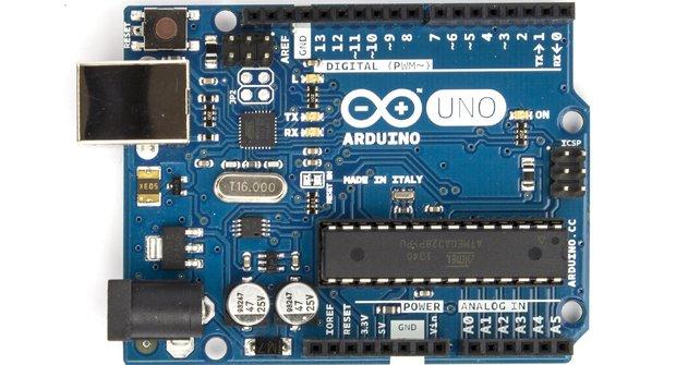 Arduino: Úvod seriálu o otevřeném hardwaru