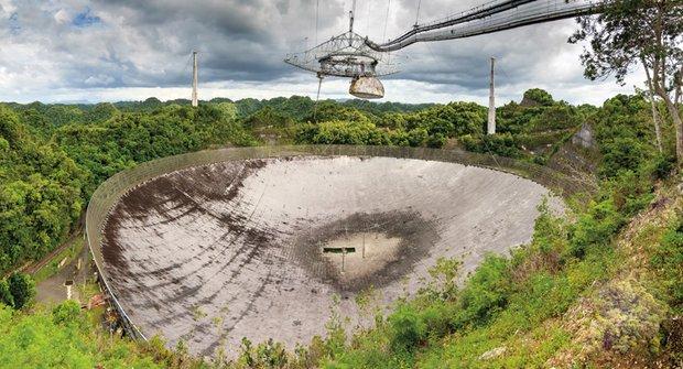 Radioteleskop Arecibo: Vzestup a zřícení legendy