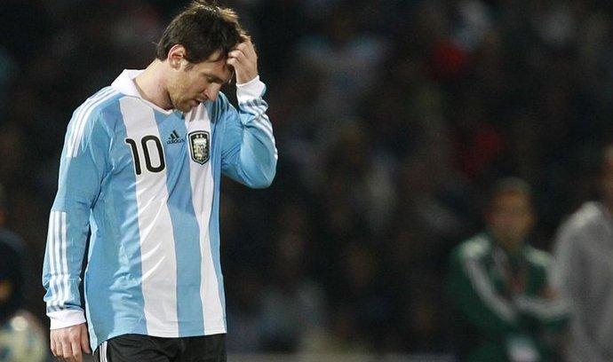 Argentinci sice těžce vyhořeli na turnaji Copa América, ale mohou dál počítat s penězi od Adidasu
