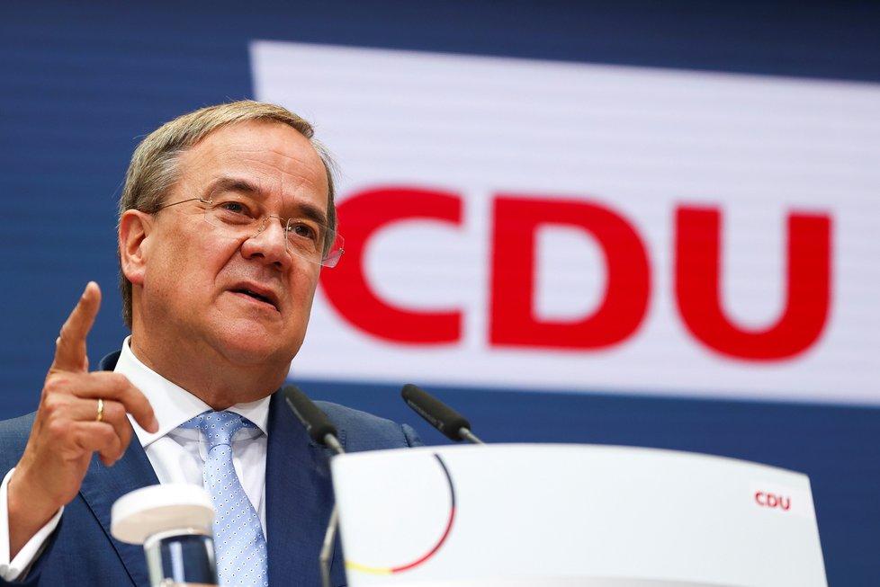 Armin Laschet, lídr CDU/CSU, na povolební tiskovce (27.9.2021)