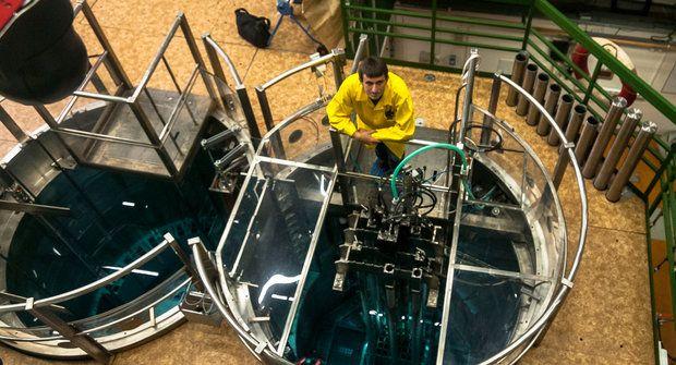 Atomový vrabec: Reaktor v bazénu