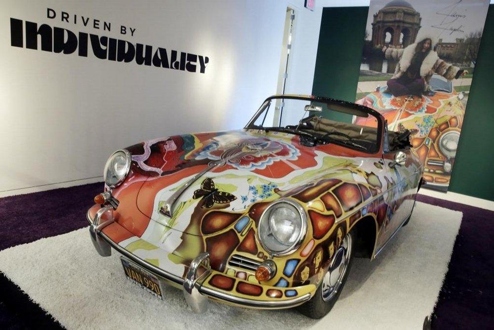 Aukce RM Sotheby's v New Yorku: Porsche 356, které vlastnila zpěvačka Janis Joplin se prodalo za 1,6 milionu dolarů, téměř trojnásobek horního odhadu.