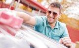 Těchto 9 chyb děláme při mytí auta nejčastěji