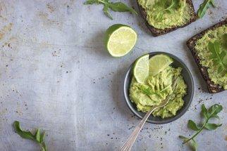 Pomazánka z avokáda a Lučiny: Recept na osvěžující svačinu
