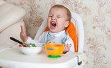 Čo robiť, keď dieťa hystericky odmieta domáce príkrmy