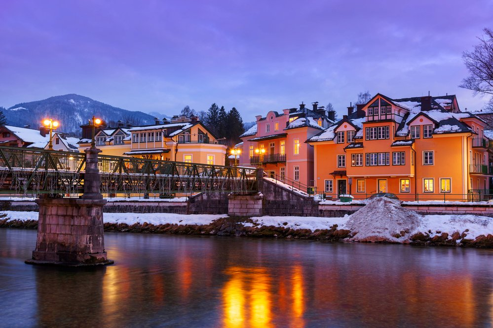 Zasněžené lázeňské městečko Bad Ischl má silnou romantickou atmosféru