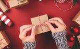 Průvodce balení: jak hezky zabalit dárky všech tvarů