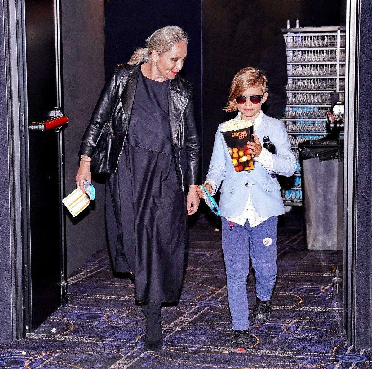 Bára Basiková se synem