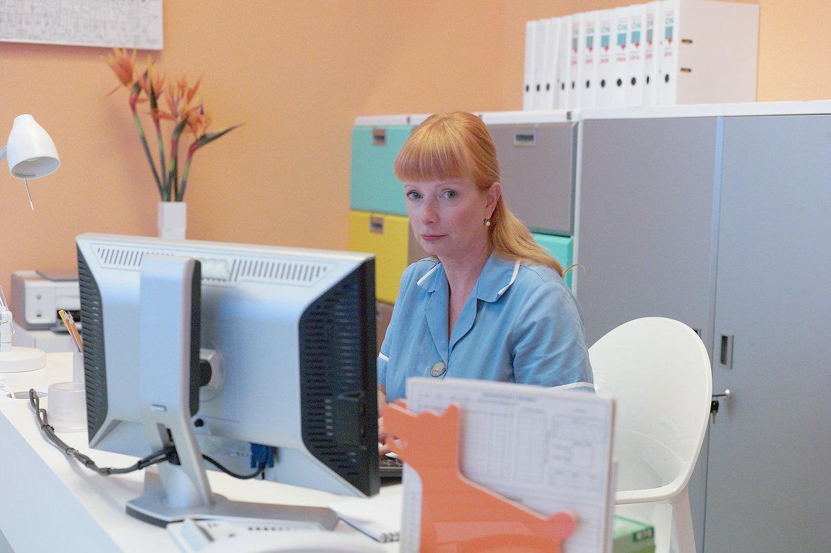 Bára Štěpánová svou roli sestřičky Babety bere vážně.  Smrt seriálového Frynty ji zasáhla i v osobním životě a doslova se zhroutila!
