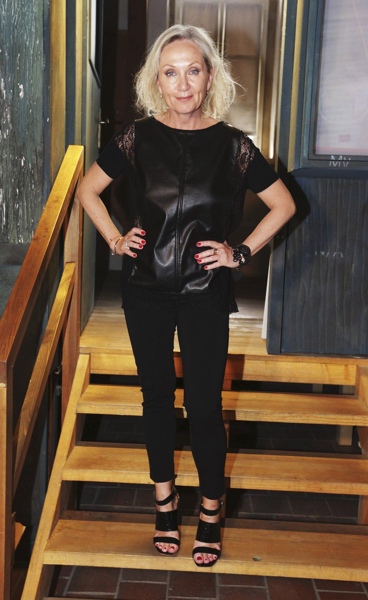 Bára Basiková Valové pomáhá jako producent.