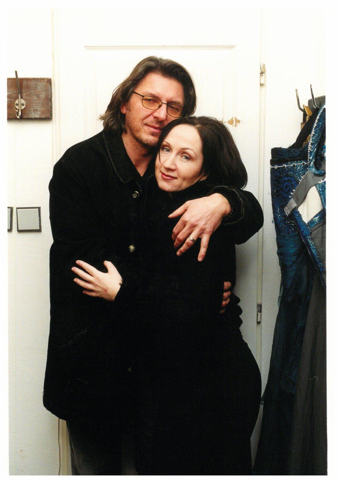 2002 Osm let trvalo manželství s Jaromírem Pizingerem, v němž rozhodně neměla na růžích ustláno. Ponižování ukončil až rozvod.
