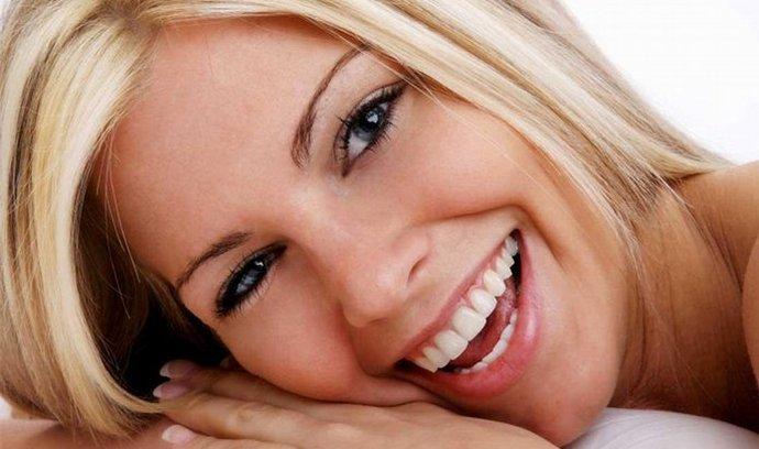 bělení zubů, stomatologie