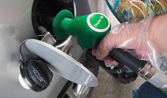Benzín