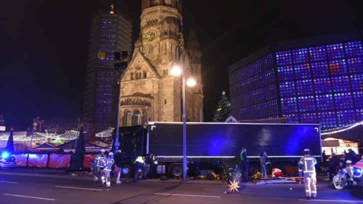 Pří útoku na vánoční trh v Berlíně zemřelo nejméně devět lidí