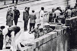 Před 60 lety berlínská zeď rozdělila velkoměsto, Německo a Evropu
