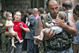 Řádění teroristů nepřežily stovky dětí. Útok na školu v Beslanu roku 2004 zůstává…