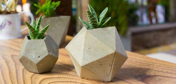 Tvoříme dárky z betonu: jak na originální dekorace za pár korun