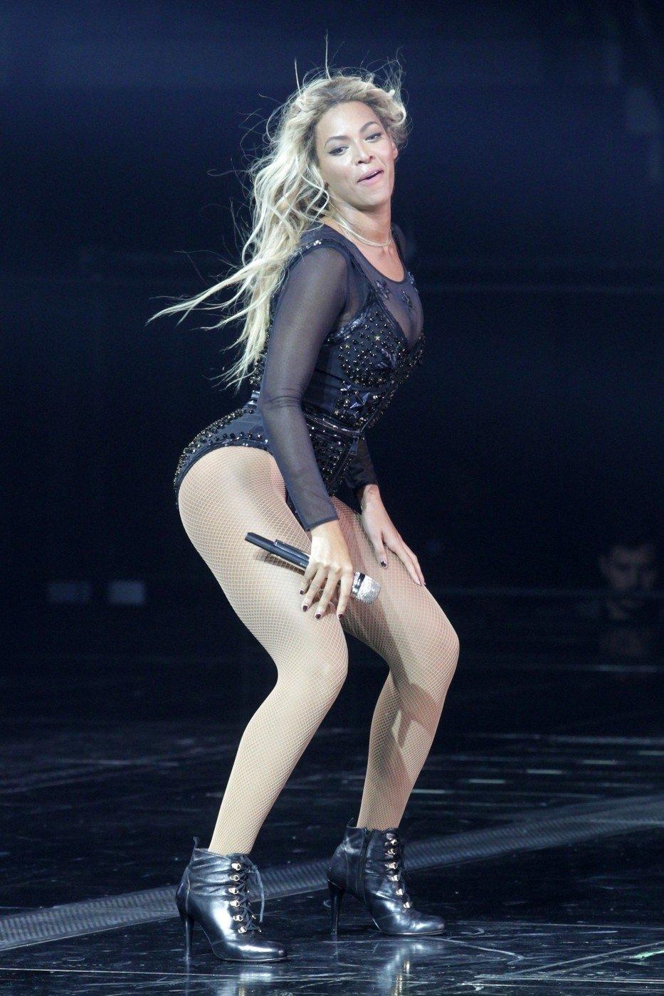 Zpěvačka Beyoncé se snaží na své postavě pracovat. Díky tomu má křivky sice plnější, ale postavu symetrickou.