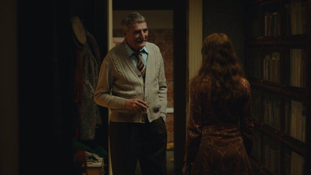 MARIIN OTEC (MARTIN HUBA) - Vynikající a oblíbený herec si zahrál postavu muže pevných zásad, odvážných snů a komplikovaného života.