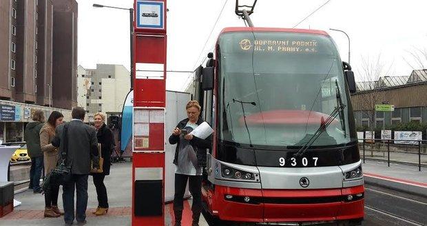 Dopravní podnik instaluje terminály do všech tramvají.
