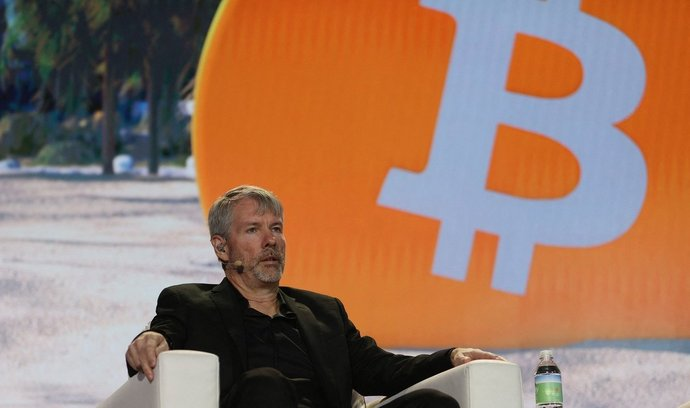 Michael Saylor. V kryptosvětě není moc výraznějších osobností, které by bitcoinu věřily do takové míry jako on.
