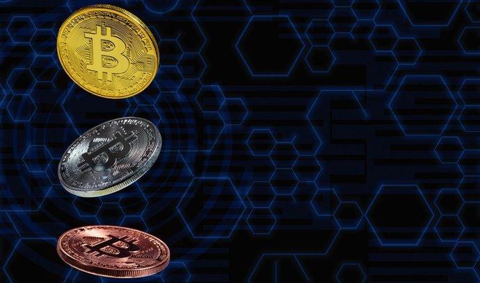 Redakce E15 každý měsíc shrnuje aktuální stav svého testovacího kryptoportfolia. A popisuje, na jaká úskalí se mají držitelé digitálních mincí připravit.