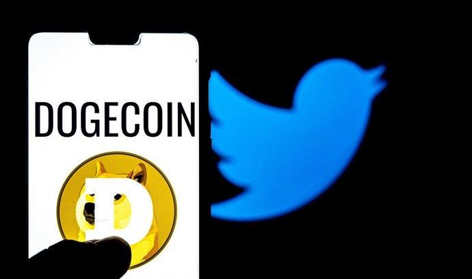 Ještě více pozornosti než bitcoinu věnuje Elon Musk na Twitteru parodickému dogecoinu.