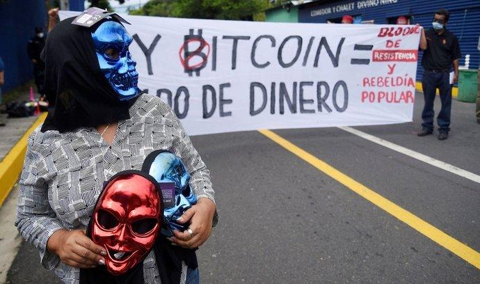Salvador přišel jako první stát na světě s tím, že udělá z bitcoinu národní měnu. Část občanů ovšem proti tomu protestovala.