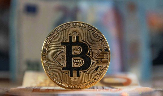 Bitcoin dál boří rekordy.