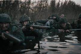 Bitva v ústí Šeldy nesahá Příliš vzdálenému mostu ani po kotníky. Slibuje akci, přináší nudu