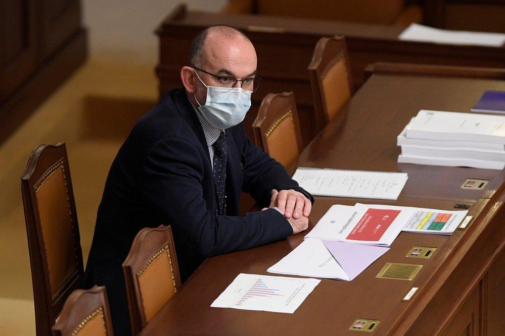 Schůze Poslanecké sněmovny, 30. října 2020 v Praze. Na snímku je nový ministr zdravotnictví Jan Blatný (za ANO)