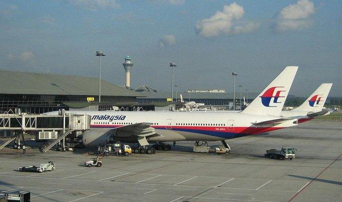 Boeing 777 společnosti Malaysia Airlines podobný tomu, který se u vietnamského pobřeží zřítil do moře