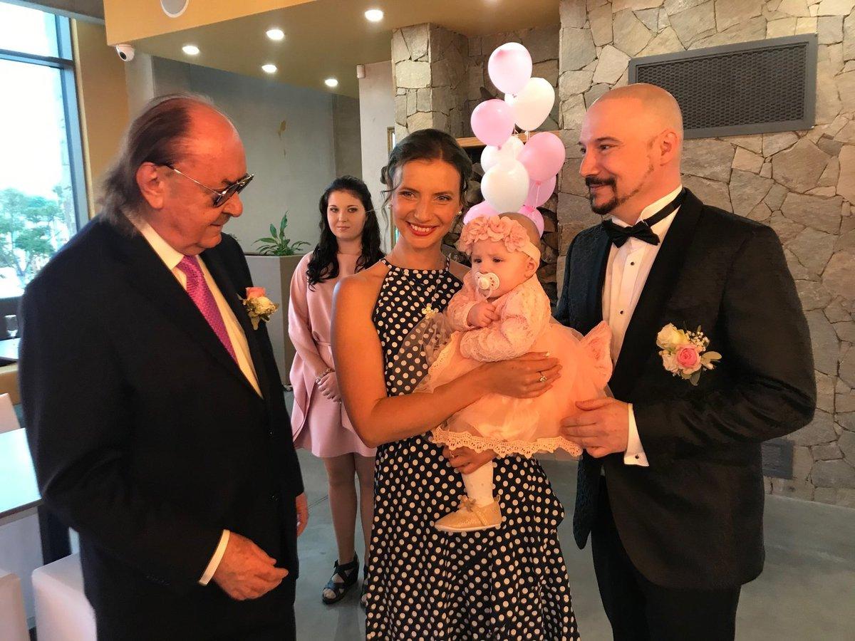 František Janeček, Monika Sommerová a Bohuš Matuš s dcerkou Natálkou