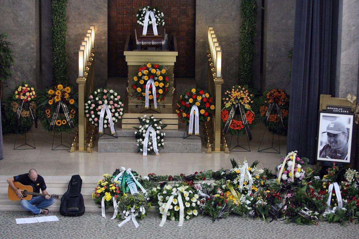 Pohřbili Bohuslava Ceplechu