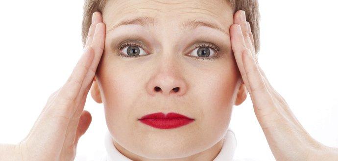 Signály těla: Co o vašem zdraví říká nadměrné pocení nebo lámavé nehty?