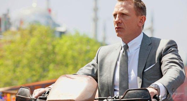 Recenze: James Bond ve filmu Skyfall tančí se smrtí